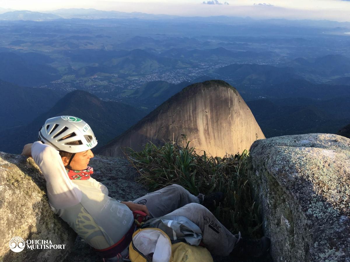 Brasil - Expedição de escalada ao Dedo de Deus - RJ